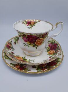 Чайная тройка Old Country Rose, EB-8-070919-RA, Royal Albert, England