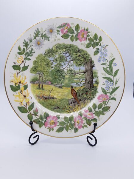 D746  Декоративная тарелка Summer Saunter (Woodland Seasons) , Coalport