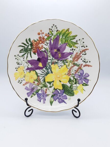 D717 Винтажная тарелка PQR from An A-Z of Wild Flowers фарфор, Royal Albert Англия