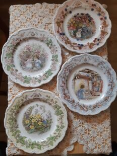 B16 Полный сет фарфоровых тарелок Brambley Hedge Winter, Spring, Summer, Autumn,  Doulton, England