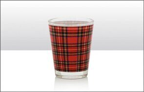 K146 HERITAGE OF SCOTLAND ROYAL STEWART SHOT GLASS