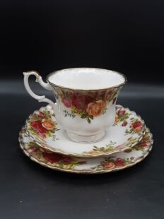 356 Чайное трио Old Country Roses EВ091195500003, Royal Albert Англия