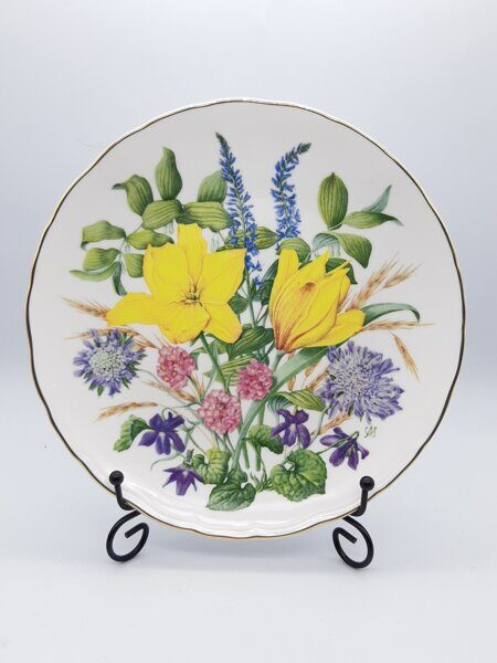 D718 Винтажная тарелка STUV from An A-Z of Wild Flowers фарфор, Royal Albert Англия