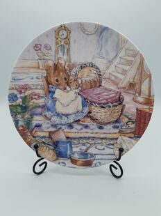 PP37 Декоративная тарелка The tale of two bad mice (Beatrix Potter),   EB0622120000036, Wedgwood Англия