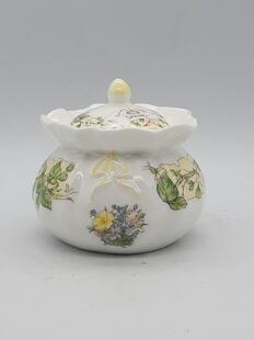 B312 Сахарница-шкатулочка Bramley Hedge Spring EВ15B312, Royal Doulton Англия